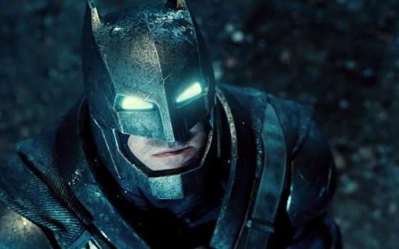 Бэтмен против Супермена: На заре справедливости, трейлеры