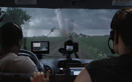 Навстречу шторму, трейлеры