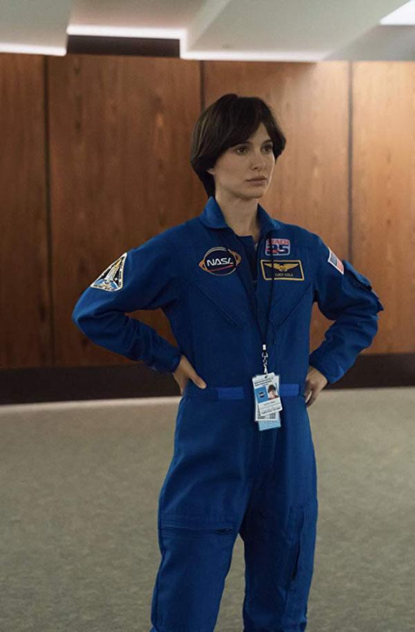 Натали Портман в фильме Бледная синяя точка.