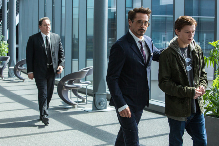 Джон Фавро в фильме Человек-паук: Возвращение домой.