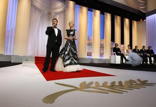 Каннский кинофестиваль: Канны 2010.   Кейт Бланшетт ,  Рассел Кроу , члены жюри Канн