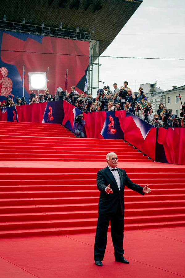 ММКФ 2020: Московский международный кинофестиваль 2015: Красная дорожка открытия.  фото © Дарья Давидова    Никита Михалков