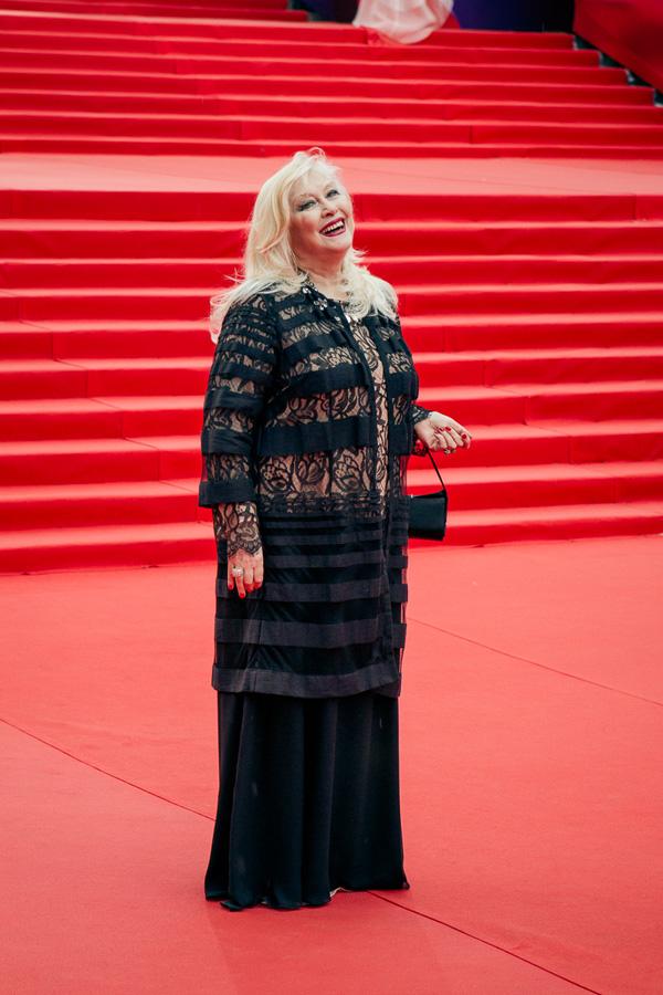 ММКФ 2020: Московский международный кинофестиваль 2015: Красная дорожка открытия.  фото © Дарья Давидова    Ирина Мирошниченко