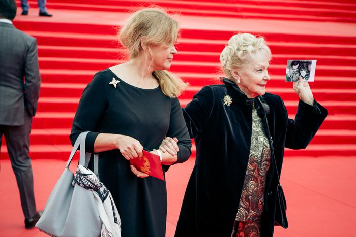 ММКФ 2020: Московский международный кинофестиваль 2015: Красная дорожка открытия.  фото © Дарья Давидова    Ирина Скобцева
