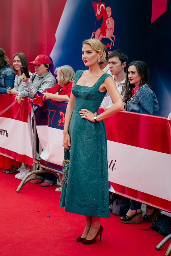 ММКФ 2020: Московский международный кинофестиваль 2015: Красная дорожка открытия.  фото © Дарья Давидова    Рената Литвинова