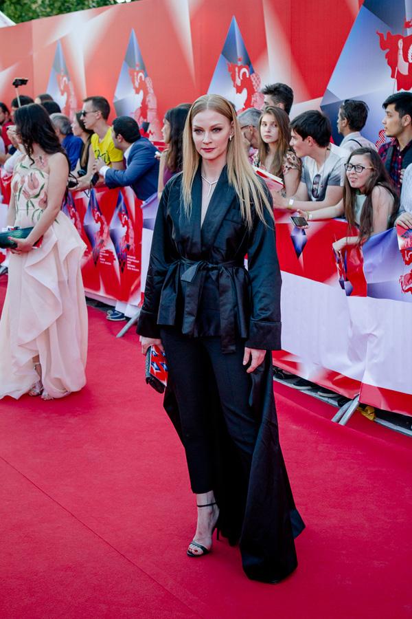 ММКФ 2016: Московский международный кинофестиваль 2016: Красная дорожка открытия. фото © Дарья Давидова