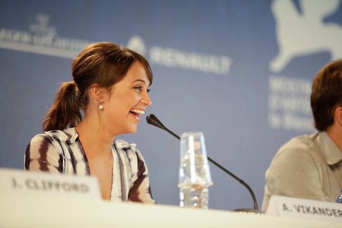Алисия Викандер, фото.