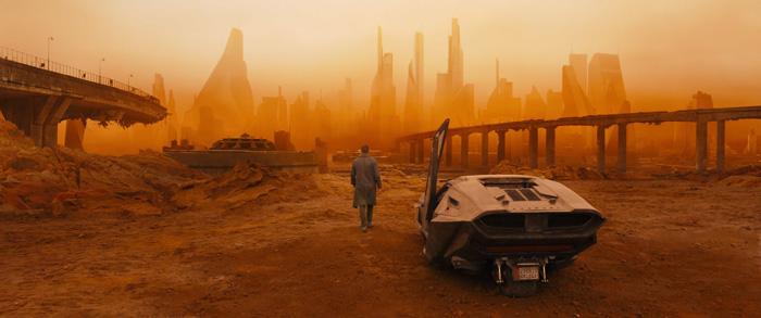 Бегущий по лезвию 2049
