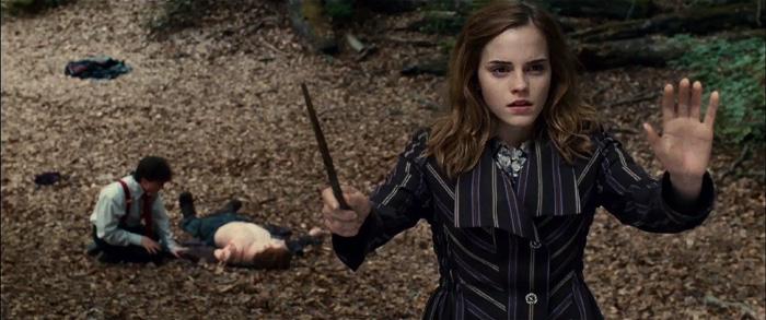 Гарри Поттер: Гарри Поттер и Дары смерти.  На фото:   Эмма Уотсон