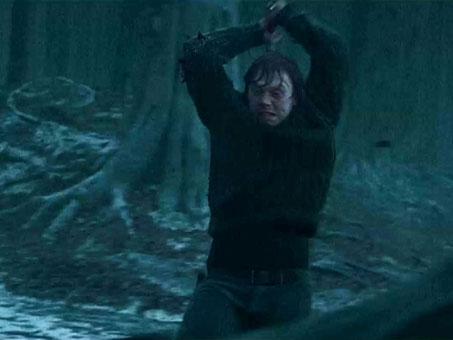 Гарри Поттер: Гарри Поттер и Дары смерти.  На фото:   Руперт Гринт